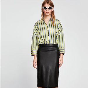 NWT Zara black faux leather pencil skirt size M